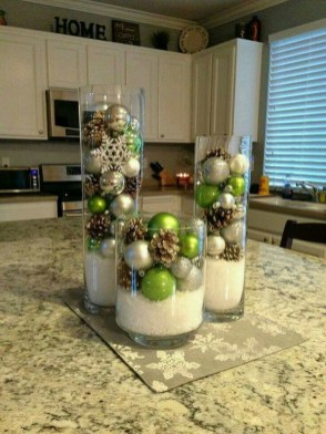 Simple And Easy Christmas Centerpieces Ideas07