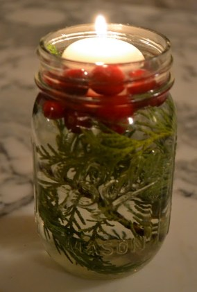Simple And Easy Christmas Centerpieces Ideas24