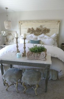 Totally Adorable French Bedroom Decoration Ideas23