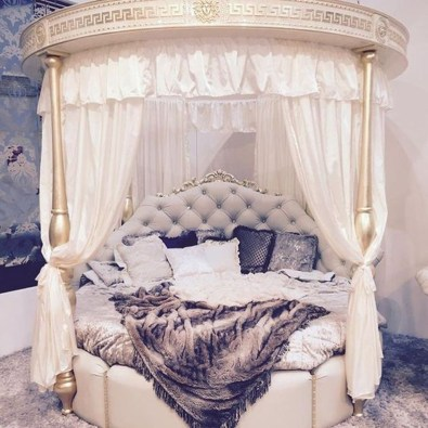 Totally Adorable French Bedroom Decoration Ideas30