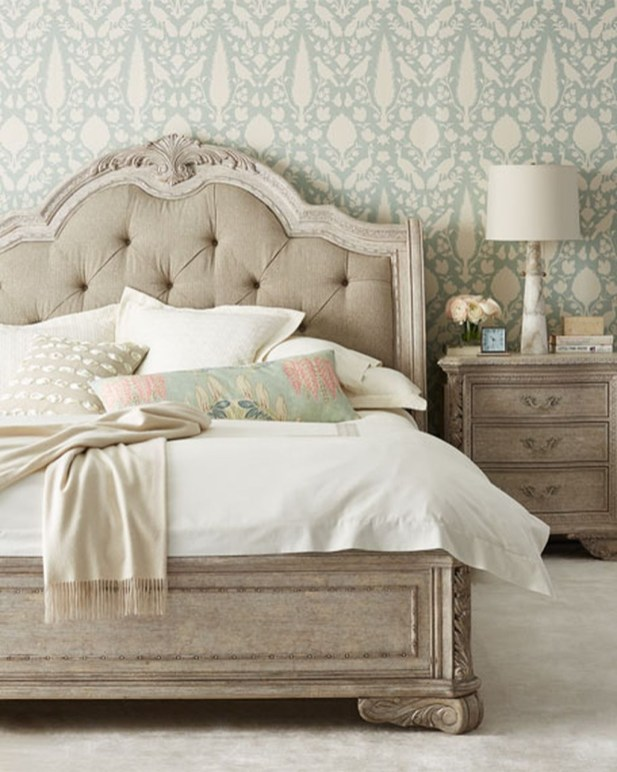 Totally Adorable French Bedroom Decoration Ideas34