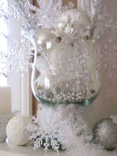 Totally White Vintage Christmas Decoration Ideas55