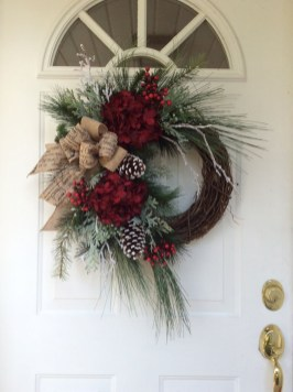 Traditional Christmas Decoration Ideas You Will Totally Love 07