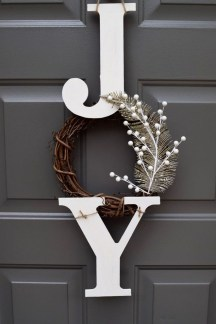 Traditional Christmas Decoration Ideas You Will Totally Love 39