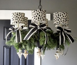 Unique And Unusual Black Christmas Decoration Ideas 20