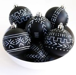 Unique And Unusual Black Christmas Decoration Ideas 27