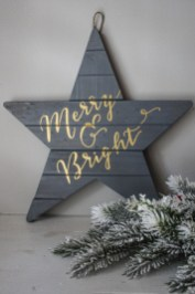 Unique And Unusual Black Christmas Decoration Ideas 35