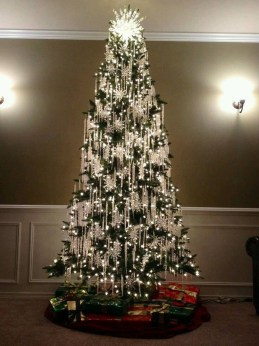 Unique But Inspiring Christmas Tree Toppers Decoration Ideas 06