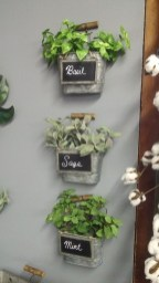 Awesome And Affordable Vertical Garden Ideas For Your Home 21