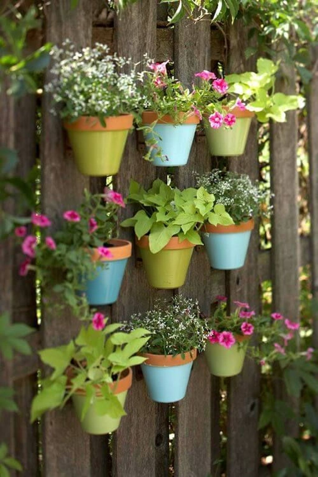 Awesome And Affordable Vertical Garden Ideas For Your Home 30