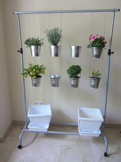 Awesome And Affordable Vertical Garden Ideas For Your Home 47