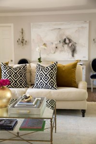 Bright And Colorful Living Room Design Ideas01