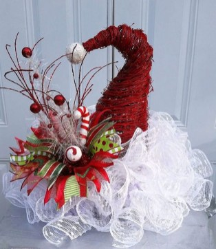 Cute Whimsical Christmas Ornaments Ideas For Your Holiday Decoration 28