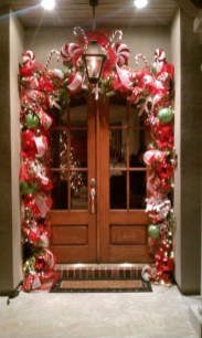 Inspiring Winter Entryway Decoration Ideas 12