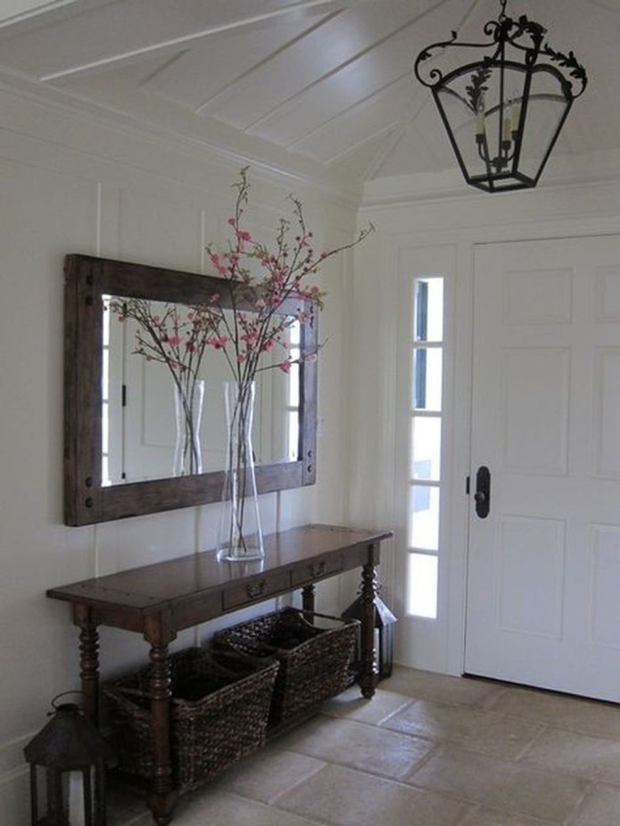 Inspiring Winter Entryway Decoration Ideas 28
