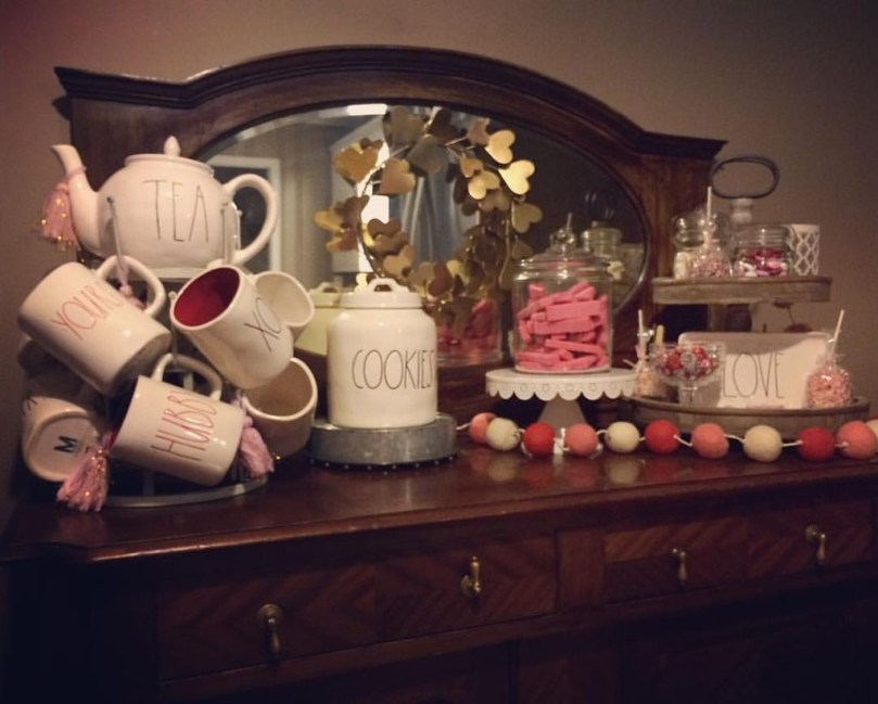 Adorable Valentines Day Party Decoration Ideas 56
