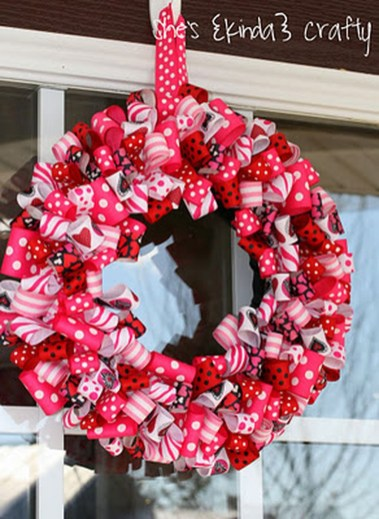 Cute Valentine Door Decoration Ideas You Should Try 01