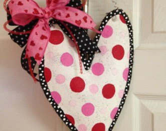 Cute Valentine Door Decoration Ideas You Should Try 05