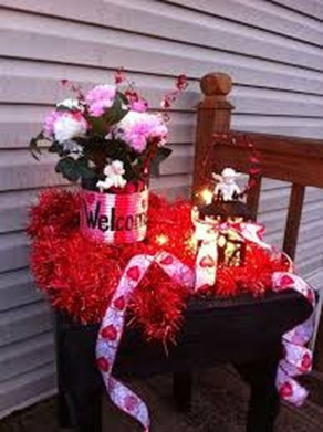 Stunning DIY Outdoor Valentine Decoration Ideas 30
