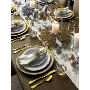 Stunning Gold Winter Decoration Ideas 35