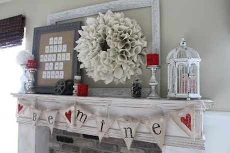 Totally Cool Valentine Mantel Decoration Ideas 03
