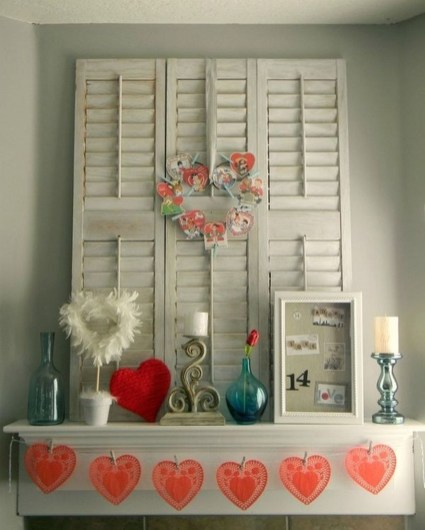 Totally Cool Valentine Mantel Decoration Ideas 08