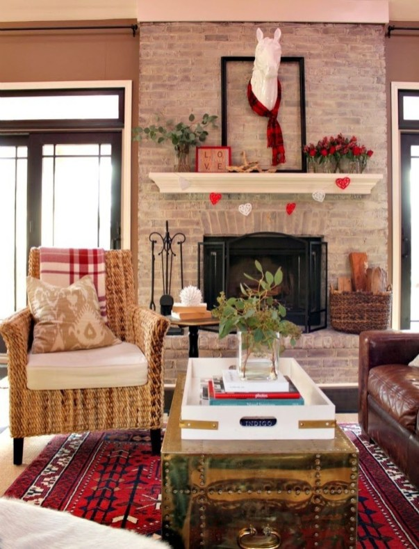 Totally Cool Valentine Mantel Decoration Ideas 10