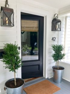 Adorable Farmhouse Entryway Decorating Ideas 32