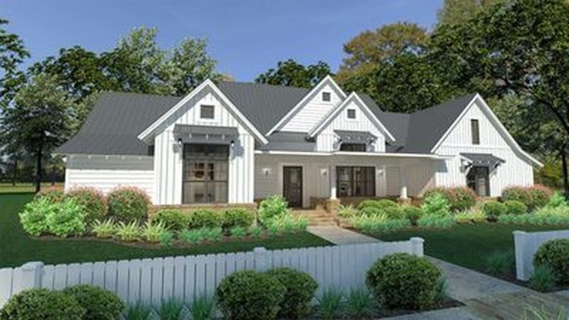Modern Farmhouse Exterior Designs Ideas 18