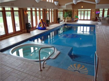 Adorable Small Indoor Swimming Pool Design Ideas 04