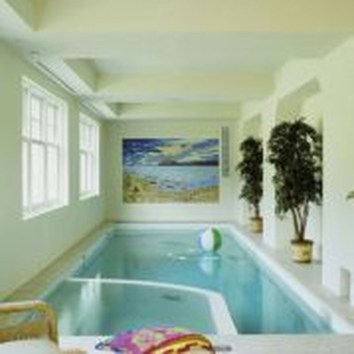 Adorable Small Indoor Swimming Pool Design Ideas 20