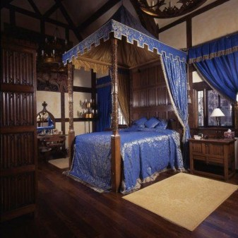 Awesome Canopy Bed With Sparkling Lights Decor Ideas 11