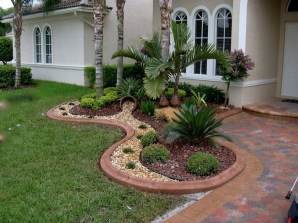 Gorgeous Front Yard Landscaping Remodel Ideas 07
