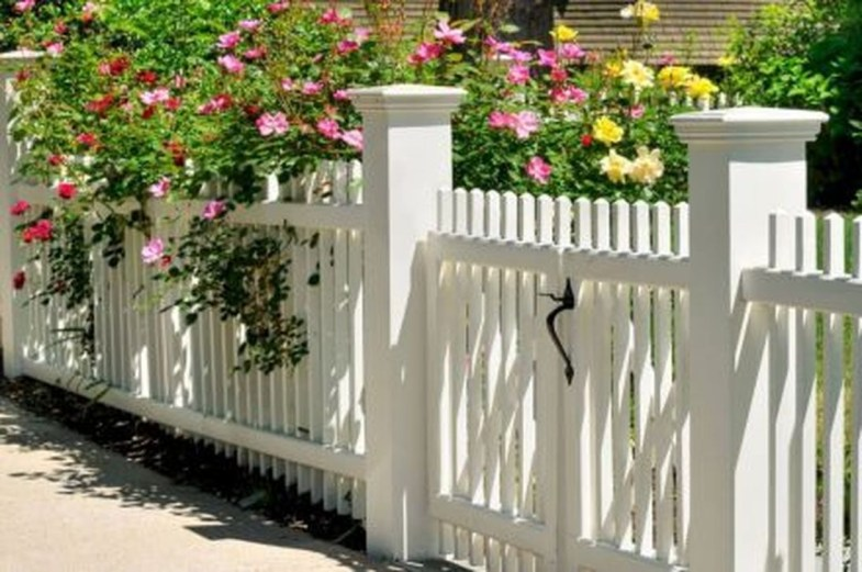 Totally Inspiring Front Yard Fence Remodel Ideas 12