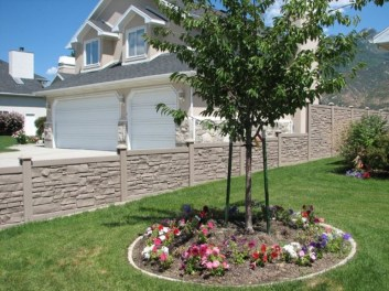 Totally Inspiring Front Yard Fence Remodel Ideas 44