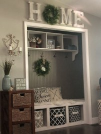 Stunning Farmhouse Entryway Decoration Ideas 19