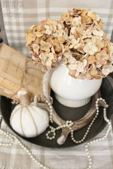 Stylish Console Table For Halloween Ideas 40