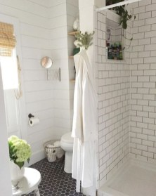 Elegant Farmhouse Shower Tiles Design Ideas18
