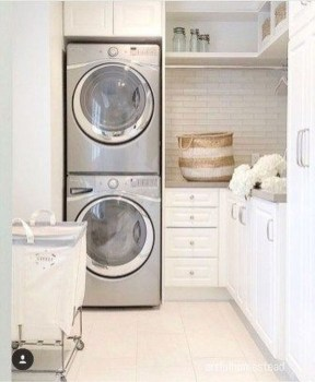 Popular Farmhouse Laundry Room Decorating Ideas25