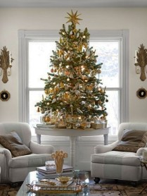 Popular White Christmas Design And Decor Ideas33