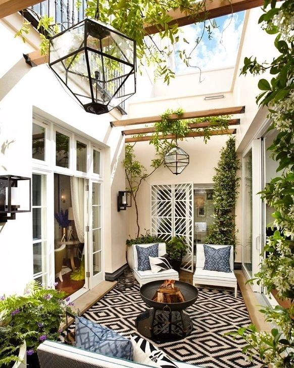 Unique Apartment Balcony Design And Decor Ideas09