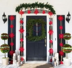 Lovely Christmas Porch Makeover Ideas04