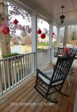Lovely Christmas Porch Makeover Ideas10