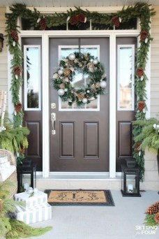 Lovely Christmas Porch Makeover Ideas41