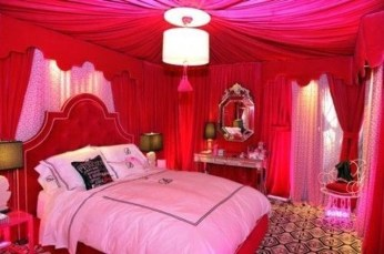 Cute Valentine Bedroom Decor Ideas For Couples15