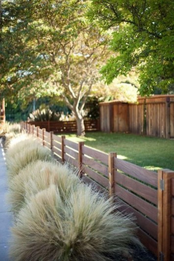 Stylish Wooden Privacy Fence Patio Backyard Landscaping Ideas40