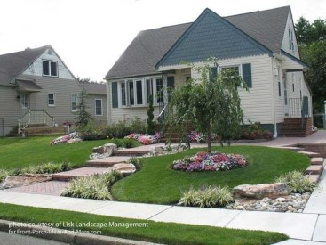 Relaxing Front Sidewalk Landscaping Ideas03
