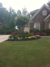 Relaxing Front Sidewalk Landscaping Ideas15