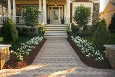 Relaxing Front Sidewalk Landscaping Ideas41