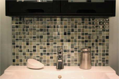 Catchy Bathroom Mosaics Design Ideas 09